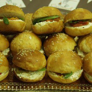 К7017 Сандвичи с млечен хляб